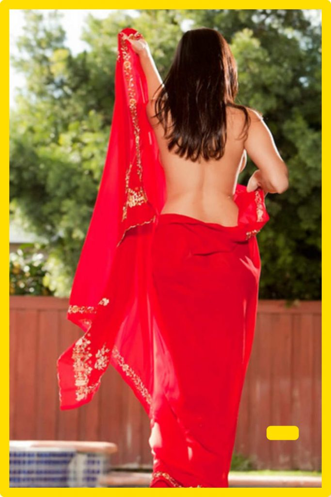sunny leone in red saree back pose